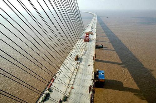— самый длинный морской мост в мире