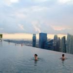 Бассейн на крыше отеля Marina Bay Sands