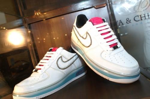 Кросовки фирмы Nike